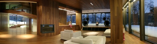 Villa_bled_kim_in_living_room_1_ofis_archive
